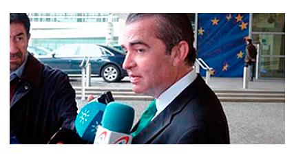 Juan Ignacio Navas denuncia ante la Comision Europea la falta de control de las entidades financieras de acuerdo con el derecho comunitario