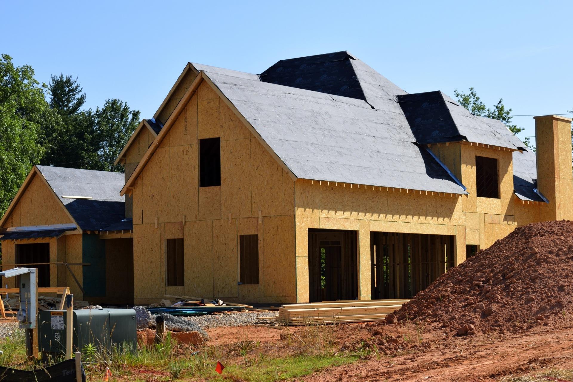 debe el banco responder frente a consumidores compren vivienda en construccion